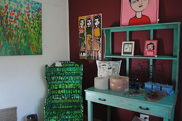También se venden muebles y cuadros. Foto: Cecilia Wall