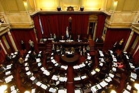 Comienza a tratarse en comisiones del Senado el proyecto de blanqueo de capitales