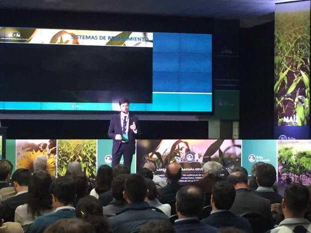 Esteban Copati, analista de la Bolsa de Cereales porteña en la presentación de las estimaciones 2017/2018