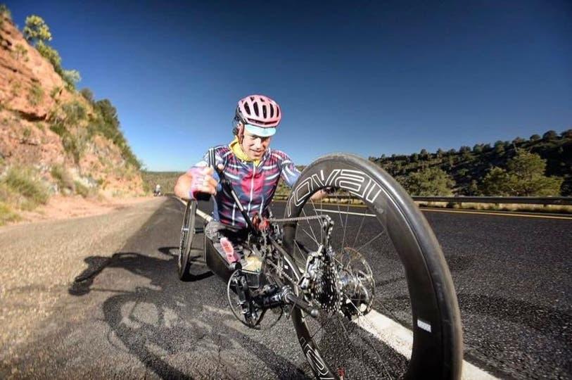 Andre Kajlich atravesó 4.800 kilómetros impulsado por sus manos solamente