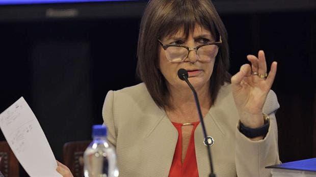 La ministra Patricia Bullrich defendió la postura inicial del Gobierno sobre el caso Maldonado