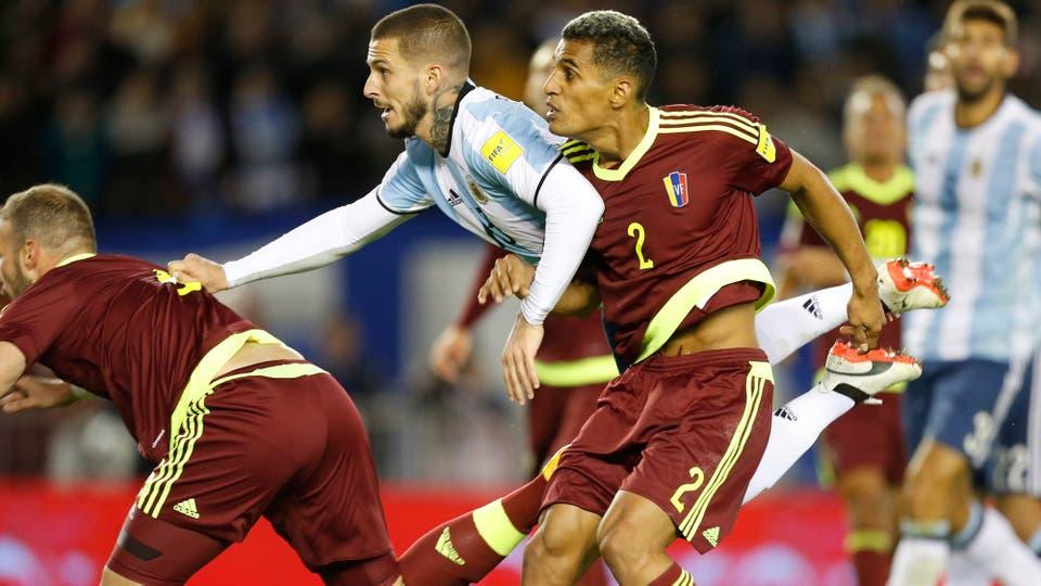 Venezuela era el rival más débil de las eliminatorias y Argentina no pudo ganarle. Foto: LA NACION / Rodrigo Néspolo