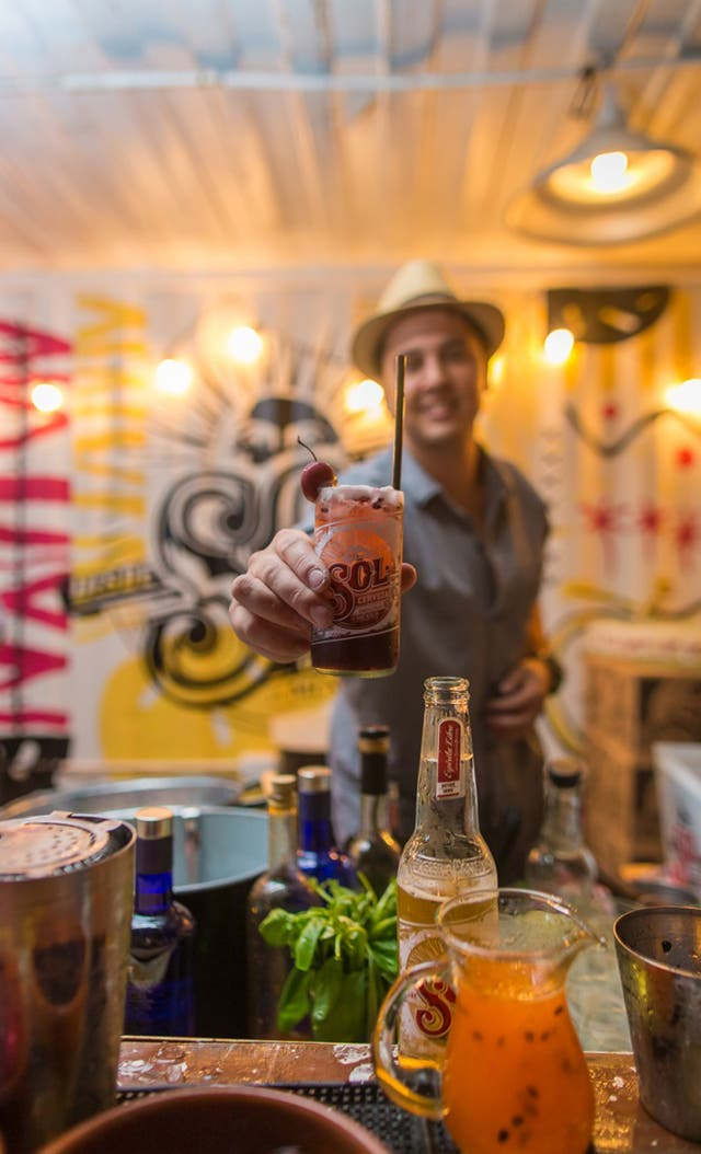 Tragos Sol, la cerveza mexicana, también se puede usar como ingrediente, para crear combinaciones y nuevos aperitivos.