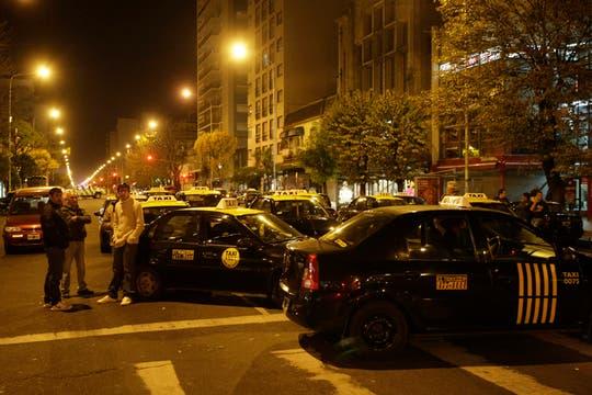 Protesta y cortes de taxistas por un conductor asesinado en Mar del Plata. Foto: LA NACION / Mauro V. Rizzi