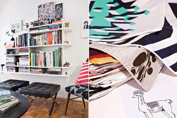 Dúo de banquetas Barcelona (Manifesto). En la biblioteca (Objetos Especiales), una lámina de E-boy junto a un cuadro pintado por Laura con liner blanco.
