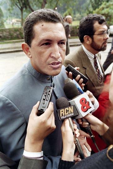 Dando una entrevista el 21 de marzo de 1995. Foto: AFP