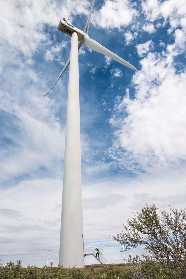En 2011 nació el Parque Eólico Rawson, el más importante del país, en manos de la empresa Genneia. El predio ocupa unas dos mil hectáreas
