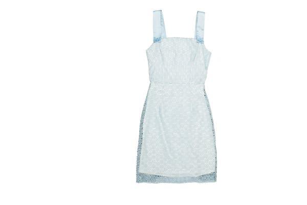 Vestido tipo '50s (Las Oreiro, $1690)..
