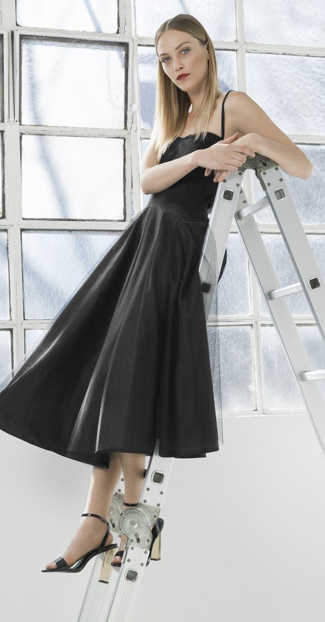 Vestido con falda de tul