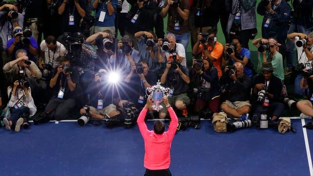 En imagenes, ceremonia, personajes, jugadas y los detalles del ultimo Grand Slam del año Rafa Nadal el gran campeón.