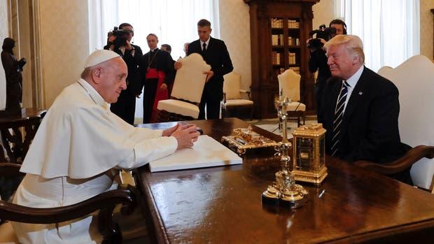 Qué le regaló el Papa a Donald Trump