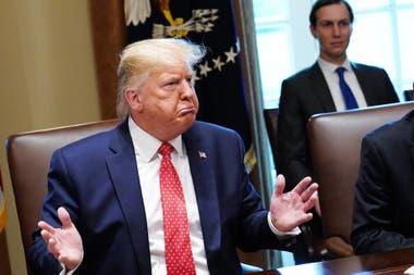 Donald Trump anunció en su cuenta de Twitter el restablecimiento de los aranceles a la importación de acero y aluminio desde Brasil y Argentina