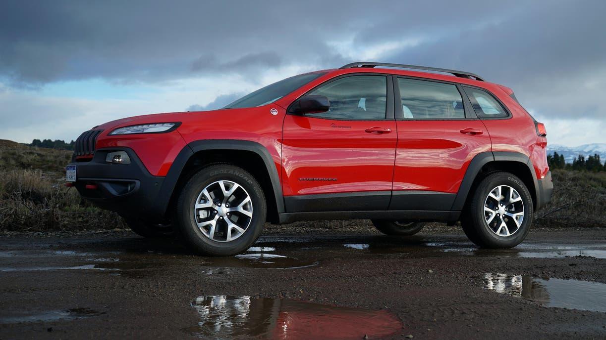 La versión intermedia del SUV Grand Cherokee ofrece un equipamiento destacable