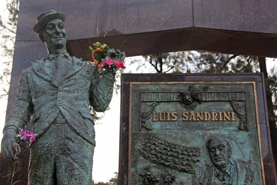 En el pabellón de los Ilustres, monumento a Luis Sandrini, actor. Foto: lanacion.com / Martina Matzkin