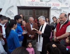 El obispo Francisco Polti, en la inauguración del centro Santa Rosa