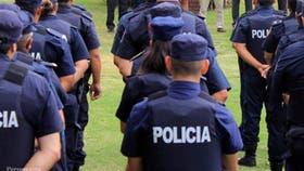Muchos de los efectivos policiales solicitaron el pase a retiro pocas horas después de que se conociera la salida de Bressi