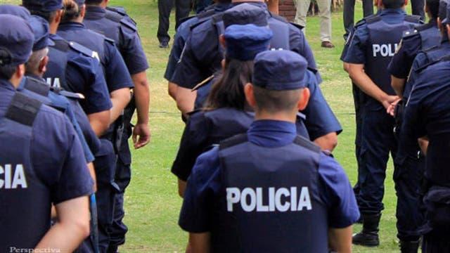 Resultado de imagen para Echan a 20 policías por una millonaria estafa con las horas adicionales