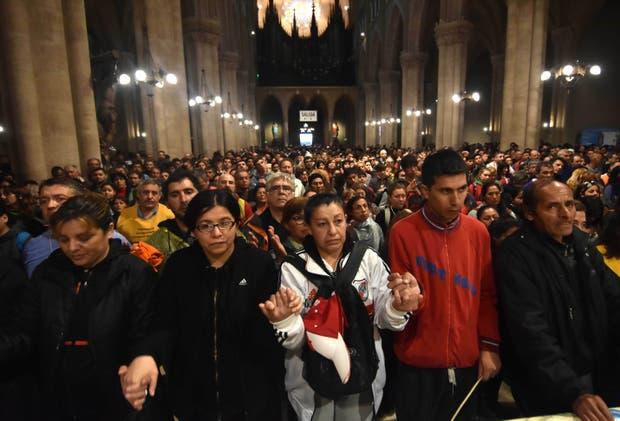 Luego de caminar 60 kilómetros, los fieles participaron de una misa en la basílica
