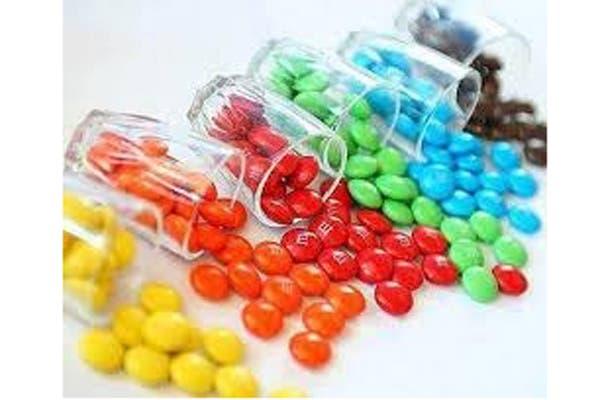 Confites te colores y varios sabores, una alternativa de la mesa dulce. Foto: Fotos: Gentileza Party Go!