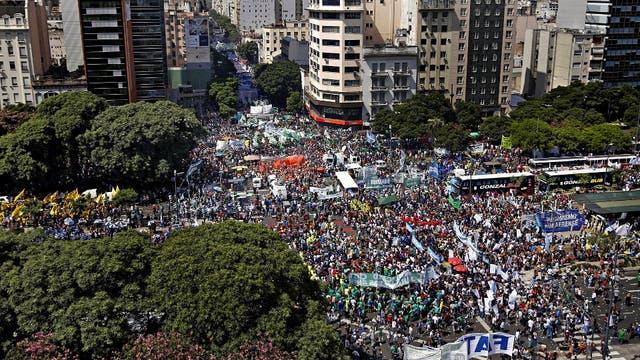 La movilización sindical fue masiva y copó buena parte del centro porteño