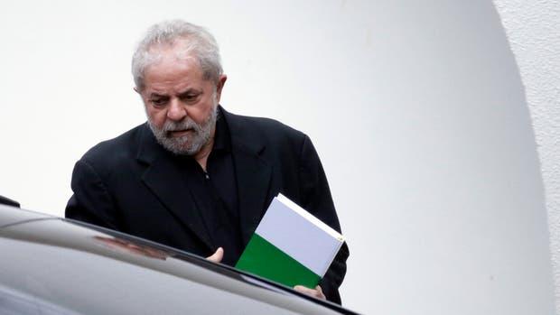 Lula, anteayer,luego de un desayuno con senadores en Brasilia