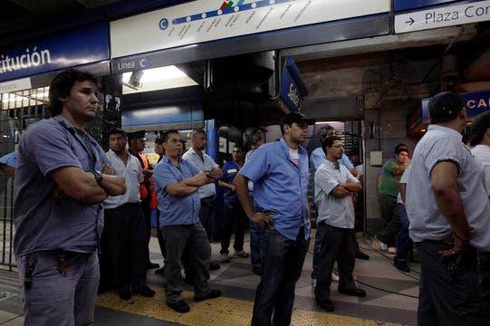 Interna gremial entre la UTA y la Agtsyp, hubo insultos y forcejeos. Foto: LA NACION / Aníbal Greco