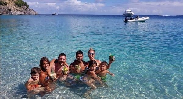 Los Messi y los Suárez, juntos