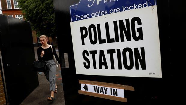A la sombra del Brexit y del terrorismo, los británicos redefinen su futuro