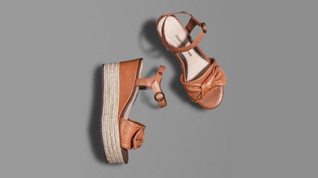 Zapatos con base de yute (Hush Puppies).