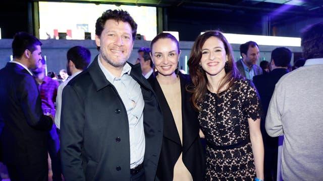 El Gerente de Programación y Contenidos de LN+, Damián Kirzner, la diseñadora Gabi López y Carolina Amoroso. Foto: LA NACION