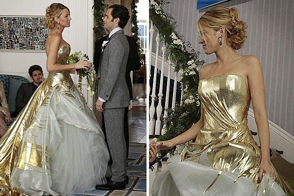Vestido con volumen en dorado y blanco; ¿te casarías con este traje?.