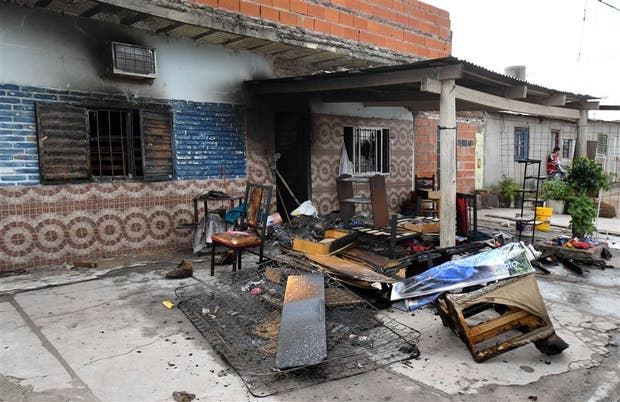 Aliados de Los Monos quemaron la casa del presunto asesino