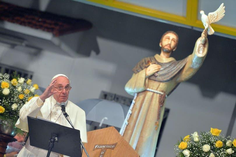 Y habló en duros términos contra la drogadependencia y la liberación del consumo de estupefacientes. Foto: AFP