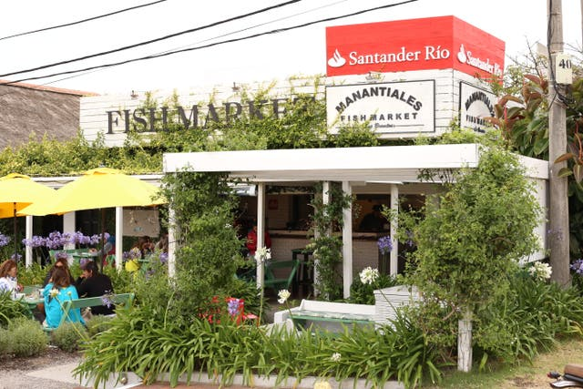 Fish Market estrenó su novena temporada con una renovación de la ensaladas de su carta. Lady in red, se lleva todos los elogios