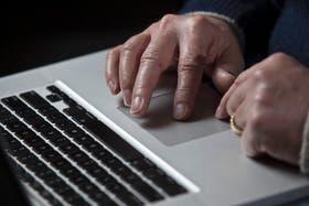 Apple confirmó este martes que sufrió un ataque informático