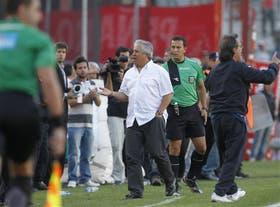 Gallego se quejó contra el árbitro Pitana; Lammens reprobó esa actitud