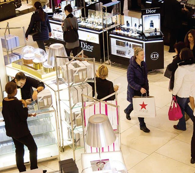 El mundo sigue cifrando sus esperanzas en los consumidores estadounidenses