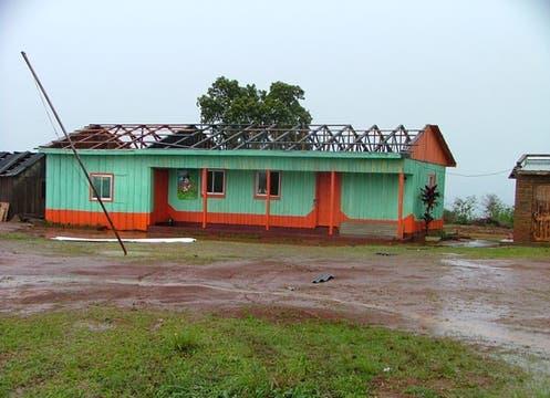 Tras el tornado que asoló el noreste de la provincia, las consecuencias fueron registradas por los lectores de lanacion.com. Foto: Juan Emilio Bragado