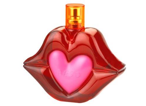 Para besos perfumados, la fragancia Beso de Agatha Ruiz de la Prada, con notas cítricas y florales (EDT de 50 ml, $76, en las principales perfumerías). Foto: lanacion.com
