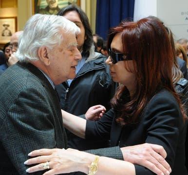 Cafiero dá las condolencias a Cristina. Foto: Presidencia de La Nación