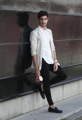 A Mauro Lagiglia le gusta combinar estilos con un toque alocado
