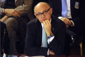 Héctor Timerman aceptó hoy la renuncia del cuestionado funcionario de su cartera