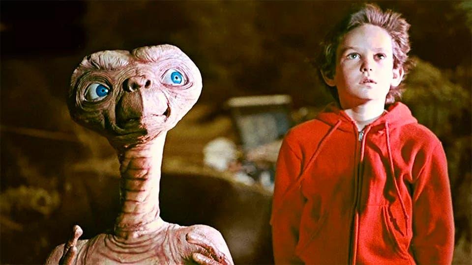 Henry Thomas tenía 9 años cuando trabajó en ET, el extraterrestre Archivo