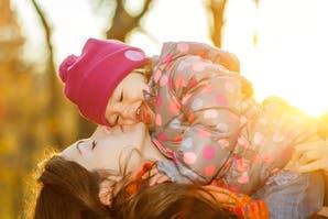 """Día de la madre: la """"crianza invisible"""""""