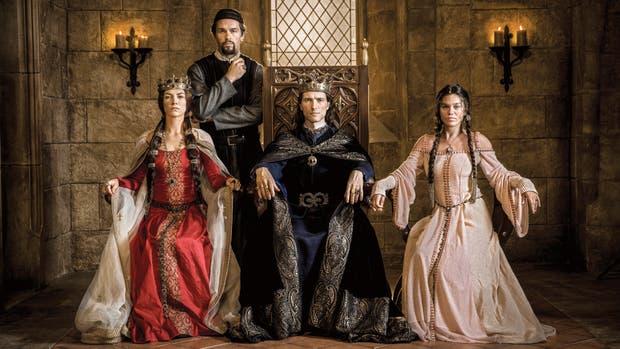 Durante los 10 episodios de la primera temporada, Knightfall cuenta la historia de los caballeros templarios medievales