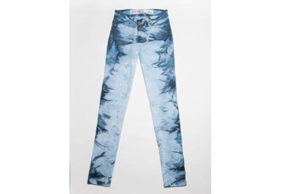 Jeans (desde $320).