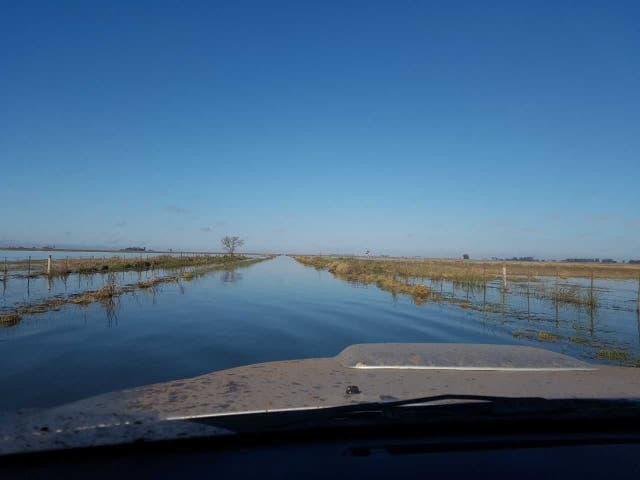Otro camino rural convertido en un río