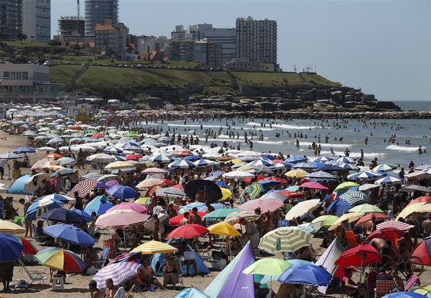 Mar del Plata vivió ayer una jornada soñada: a pleno sol y con 34 grados
