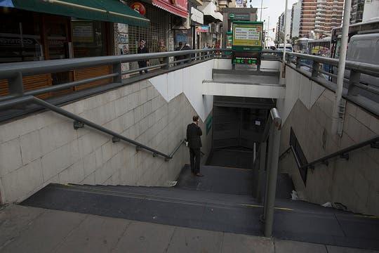 El servicio de la línea D se encuentra interrumpido por una medida de fuerza de los metrodelegado, más de 50.000 personas afectadas. Foto: LA NACION / Aníbal Greco