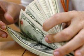 El dólar paralelo llegó a un máximo histórico de 8,75 pesos el 20 de marzo pasado
